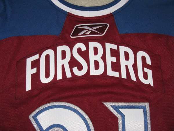 Peter Forsberg 2010-2011 Burgundy Set II GI nameplate